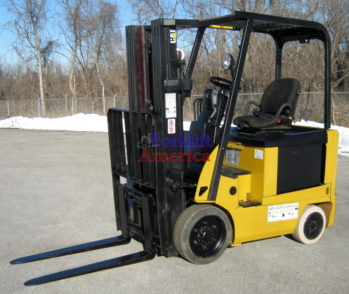 5,000 LB Caterpillar E5000-AC Electric Cushion Triple Mast Forklift (St. Louis)-5316