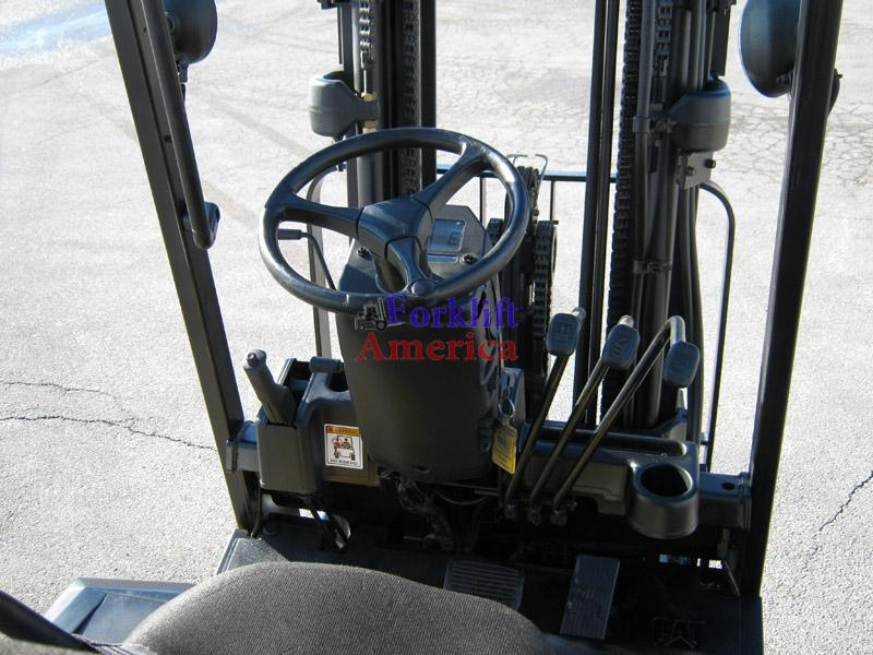 5,000 LB Caterpillar E5000-AC Electric Cushion Triple Mast Forklift (St. Louis)-5313