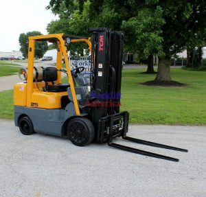 Nice TCM 5,000 Pound Forklift with BRAND NEW Engine + Sideshifting Fork Positioner -0